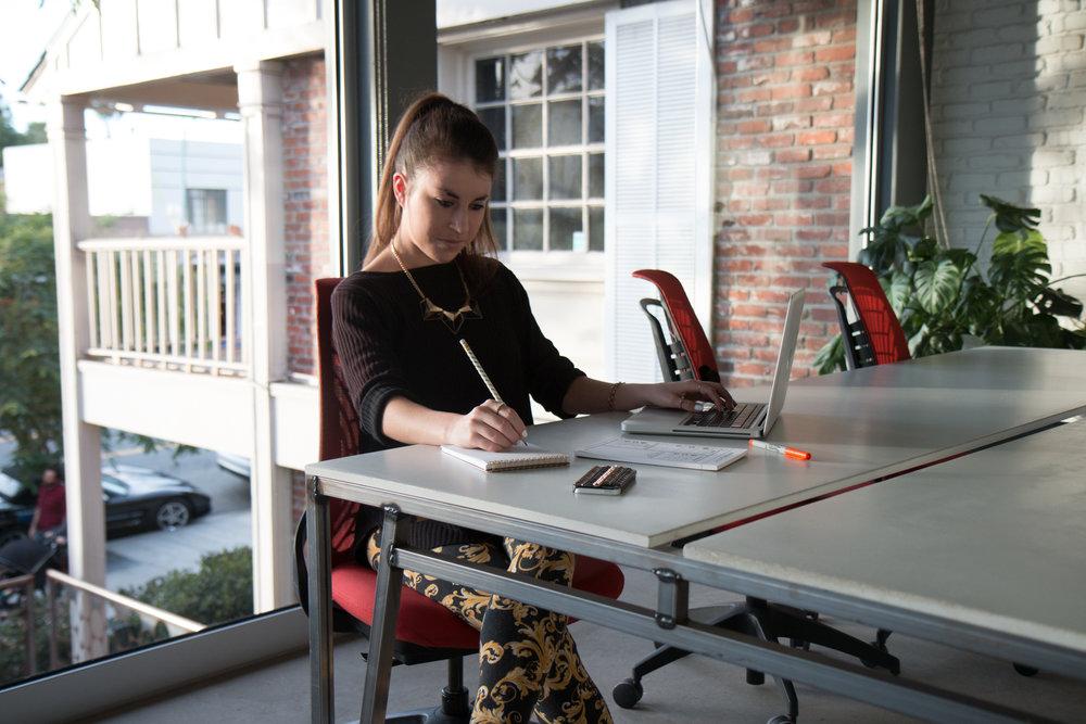 allison-evelyn-copywriter-copy-brand-strategist-copy-coaching