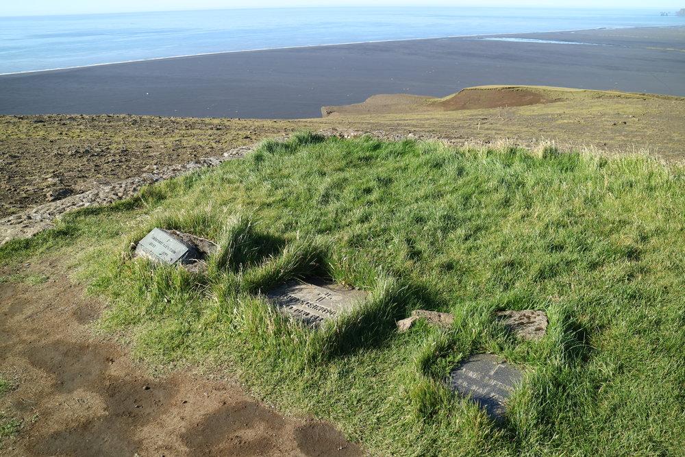 Hjörleifshöfði Hike