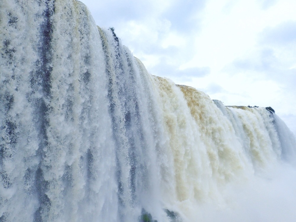 With a flow capacity THREE times that of Niagra Falls, the noise was deafening and you got wet!