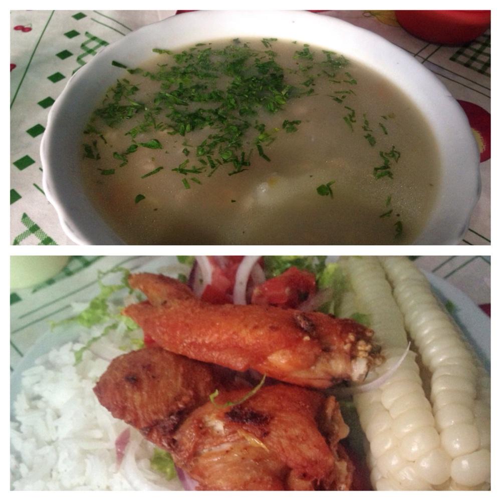 'Pollo sopa y pollo con arroz, ensalada y maiz'