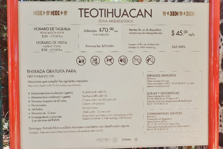 Teotihuacan entrance costs & opening times