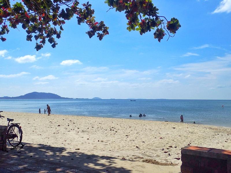 Kep Beach weekday