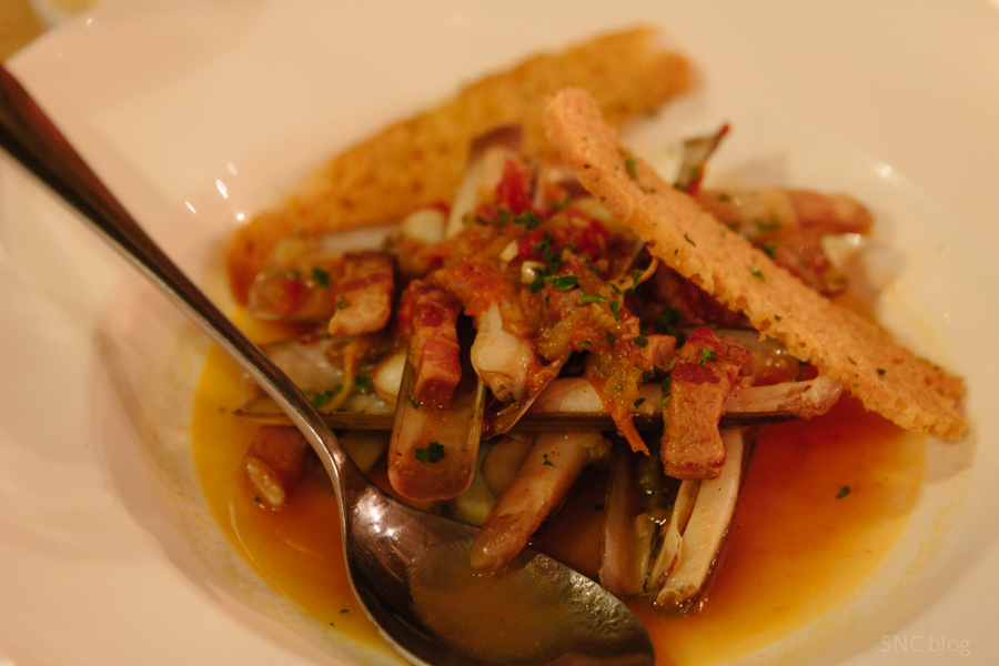 Razor clams and exotic cocktails at Seven Spoons restaurant