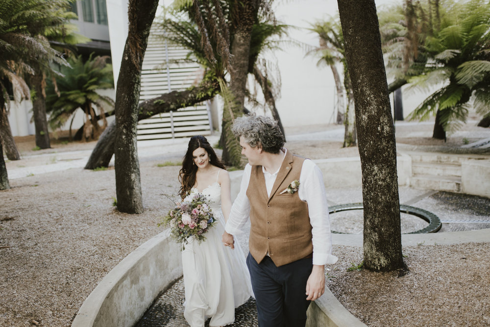 Wedding portraits: Fern Garden at the NGA Canberra