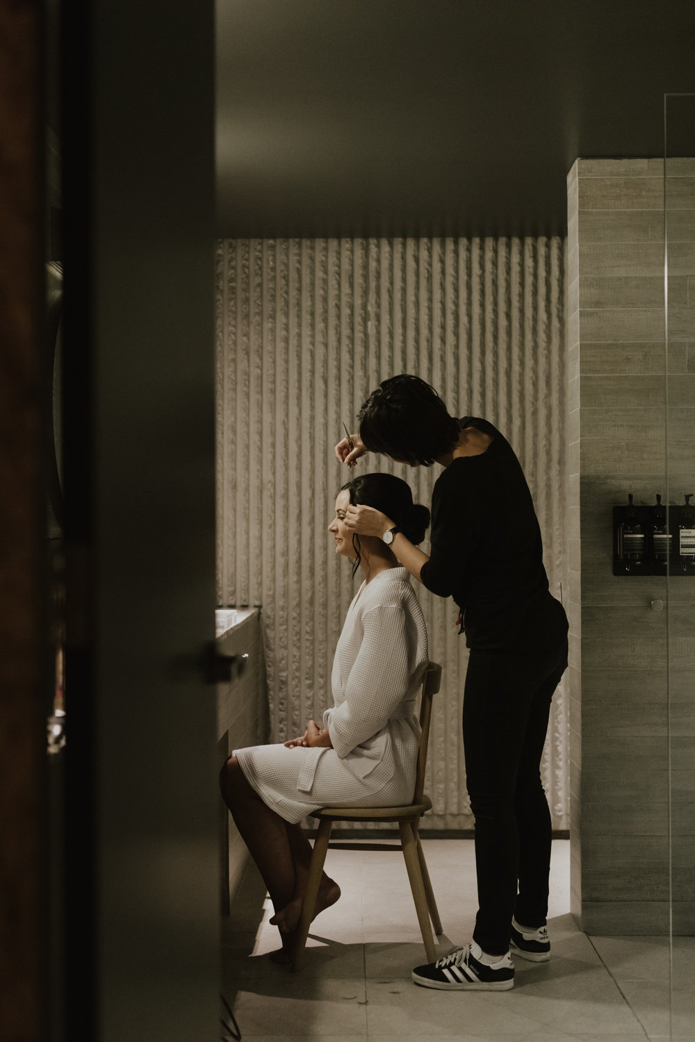 Bride getting ready at Hotel Hotel Canberra, NGA wedding, photography by Jenny Wu