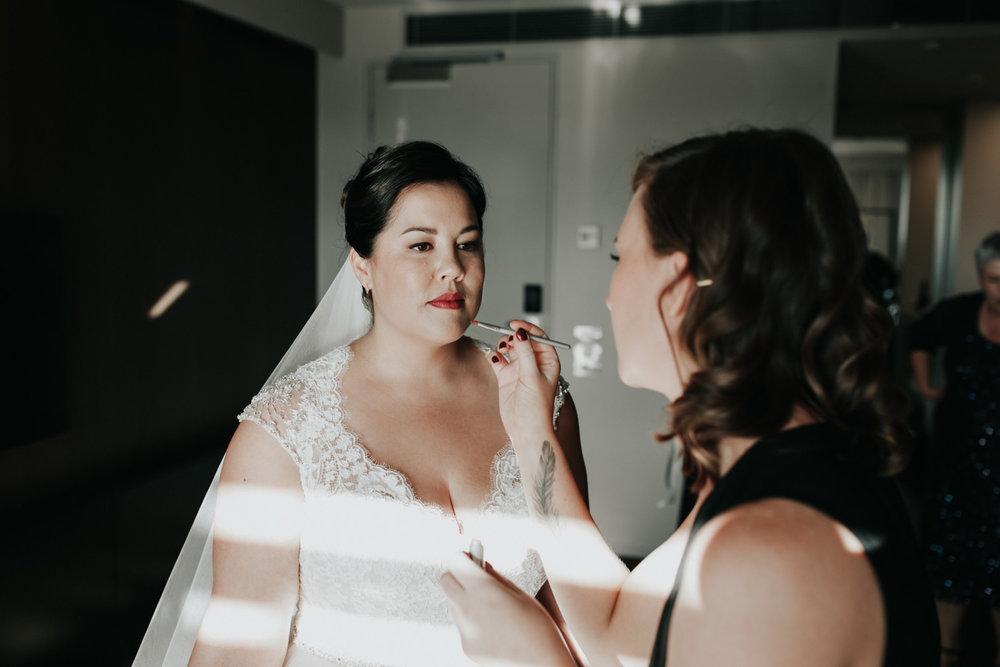 Bridal Prep Moxom and Whitney Bouquet, Boathouse Wedding Canberra Photographer Jenny Wu Straight No Chaser