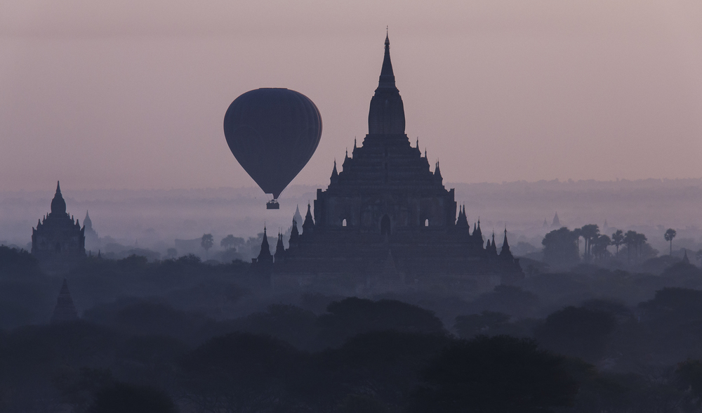 Balloon over Temple.jpg