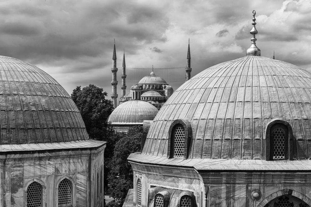 Blue Mosque from Aya Sophia.jpg