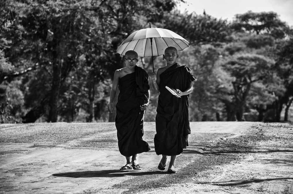 Bagan Monks.jpg