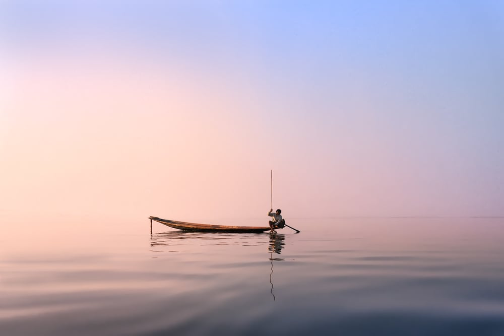 Inle_Lake_with_Stick.jpg