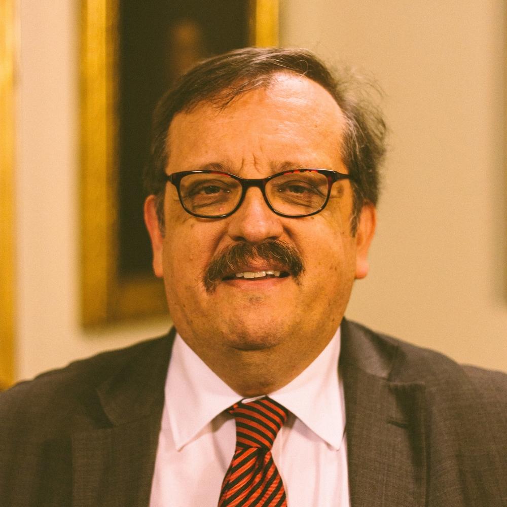 Professor Mario Aguilar