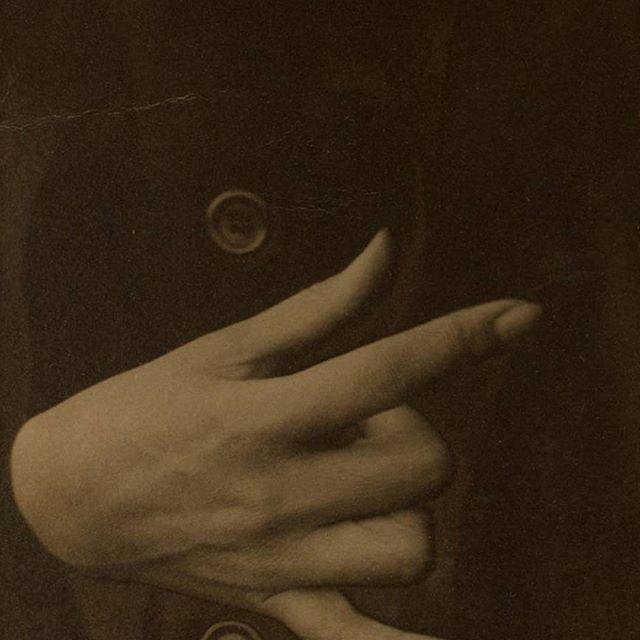 Georgia O'Keefe.-Hand 1918