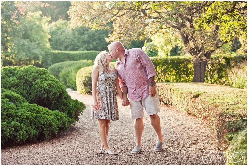 Samantha_Jamie_Cantigny_Park_Engagement_Photos-007.jpg