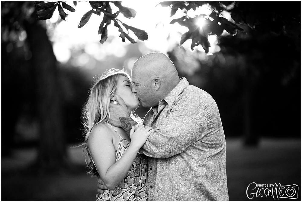 Samantha_Jamie_Cantigny_Park_Engagement_Photos-044.jpg