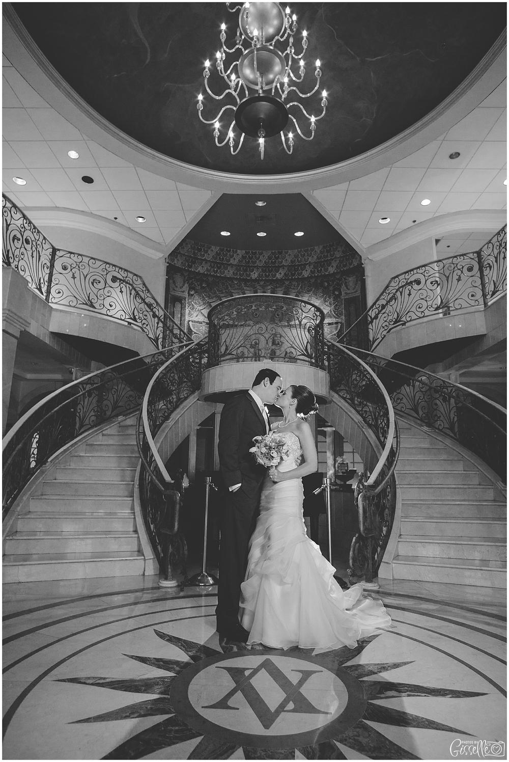 Venutis_Banquets_Addison_Wedding012.jpg