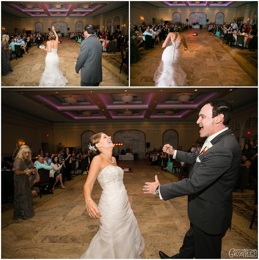 Venutis_Banquets_Addison_Wedding021.jpg