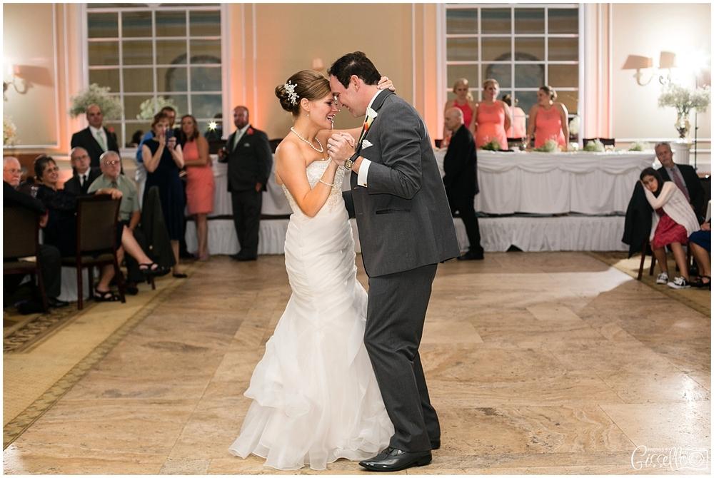 Venutis_Banquets_Addison_Wedding023.jpg