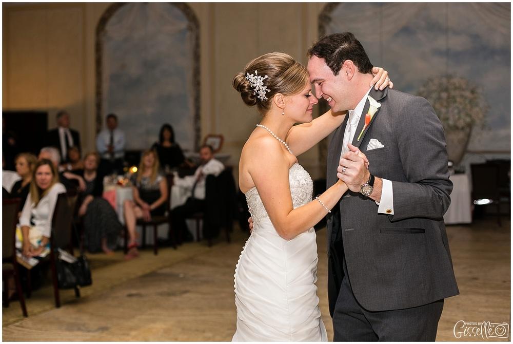 Venutis_Banquets_Addison_Wedding024.jpg