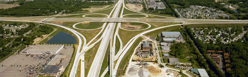 US_131,_M-6,_68th_St_interchange.jpg