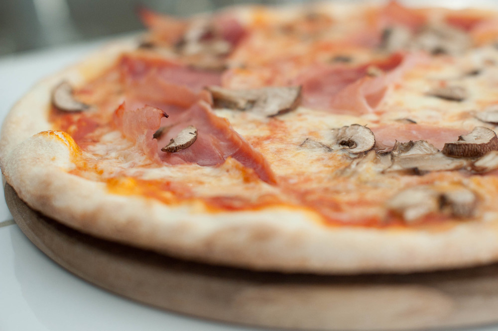 pizza funghi.jpg