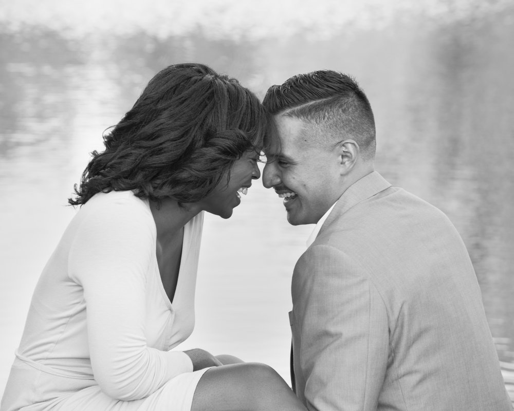Engagement photos in Chicago's Lincoln Park