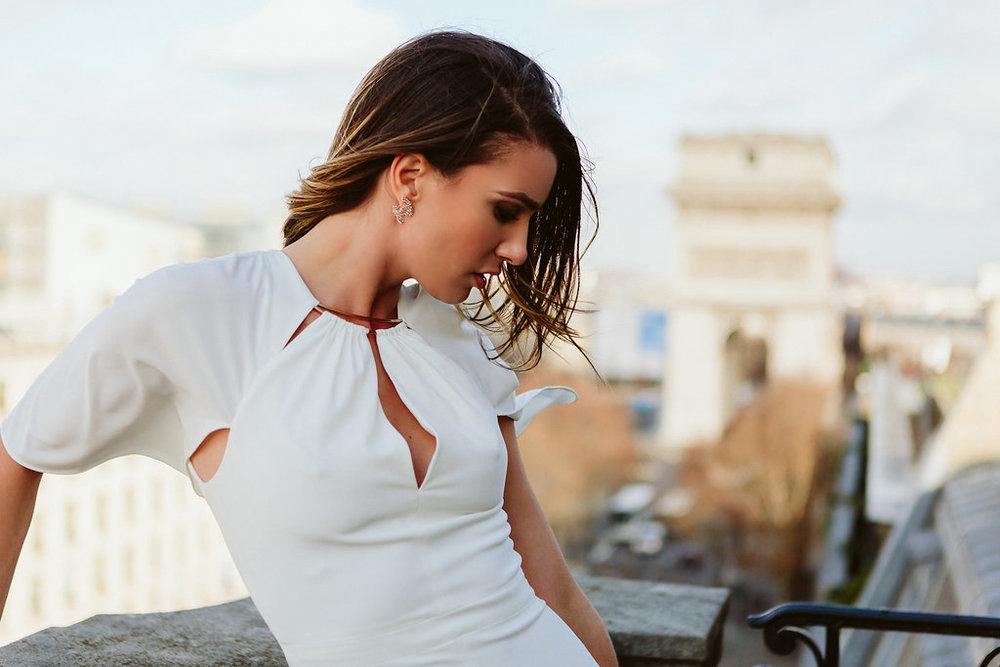 all-white-dress-fashion-blogger