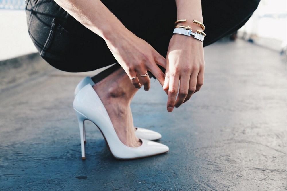 white-heels-christian-louboutin-silver-gold-bangle