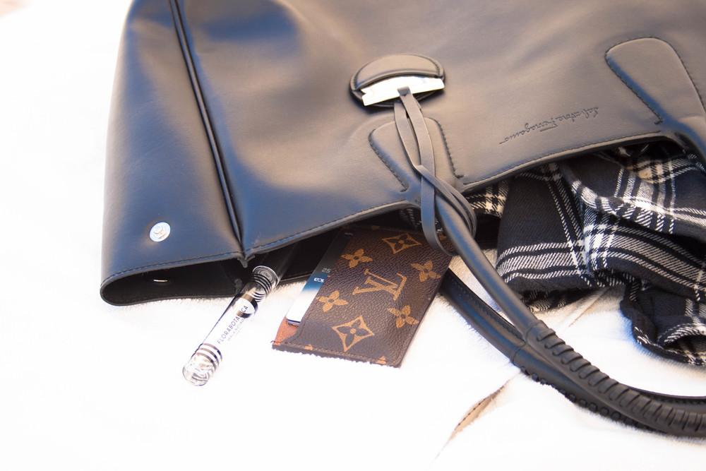 fashion-blogger-black-leather-ferragamo