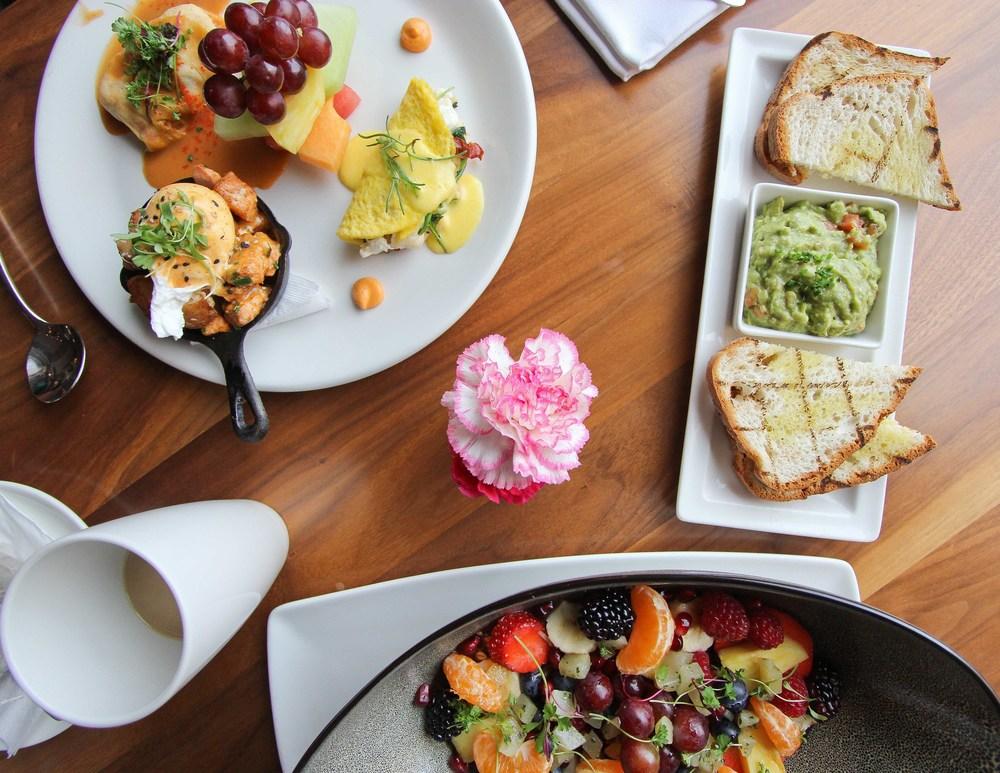 san-diego-la-valencia-hotel-food-the-med