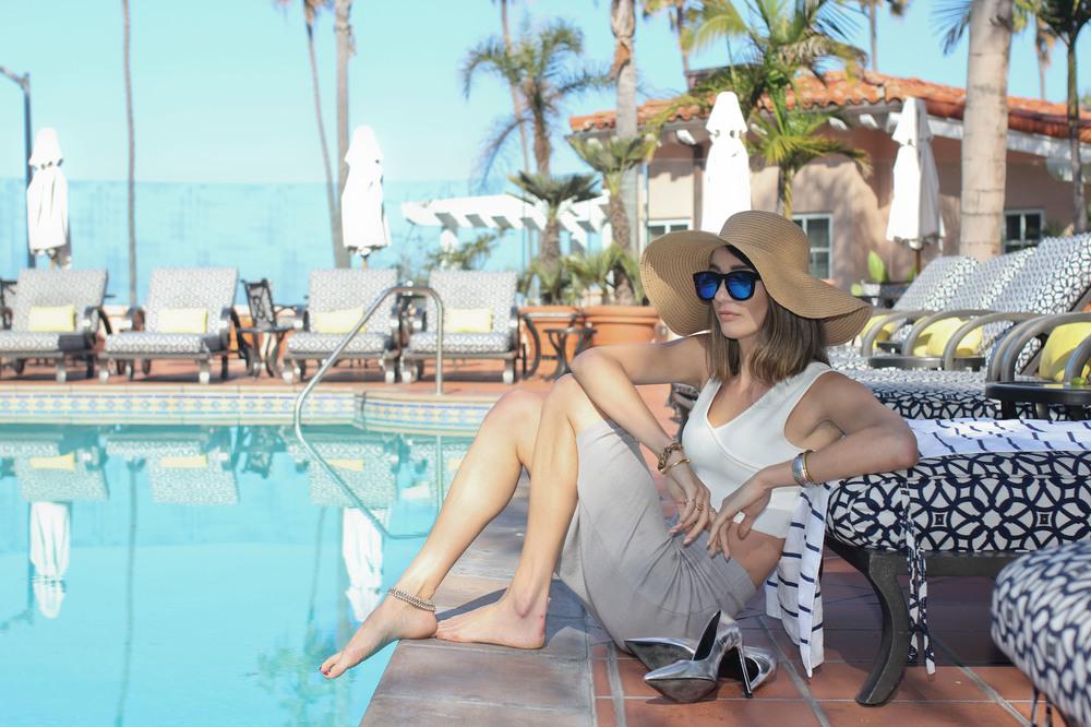 poolside-la-valencia-hotel-san-deigo