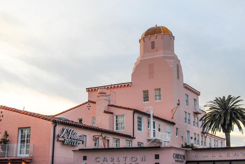 la-valencia-all-pink-hotel