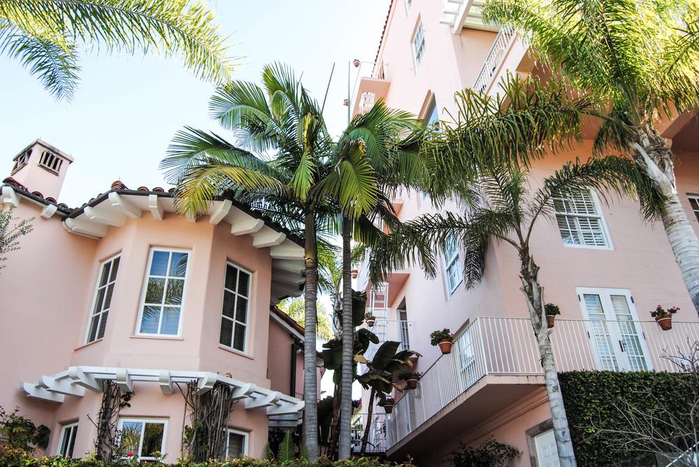 all-pink-hotel-la-valencia-travel