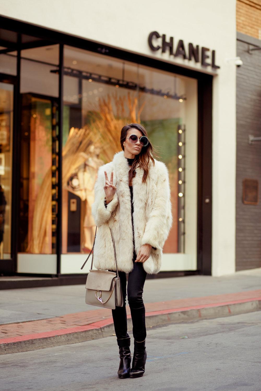 Fashion_Blogger_Fur_Coat