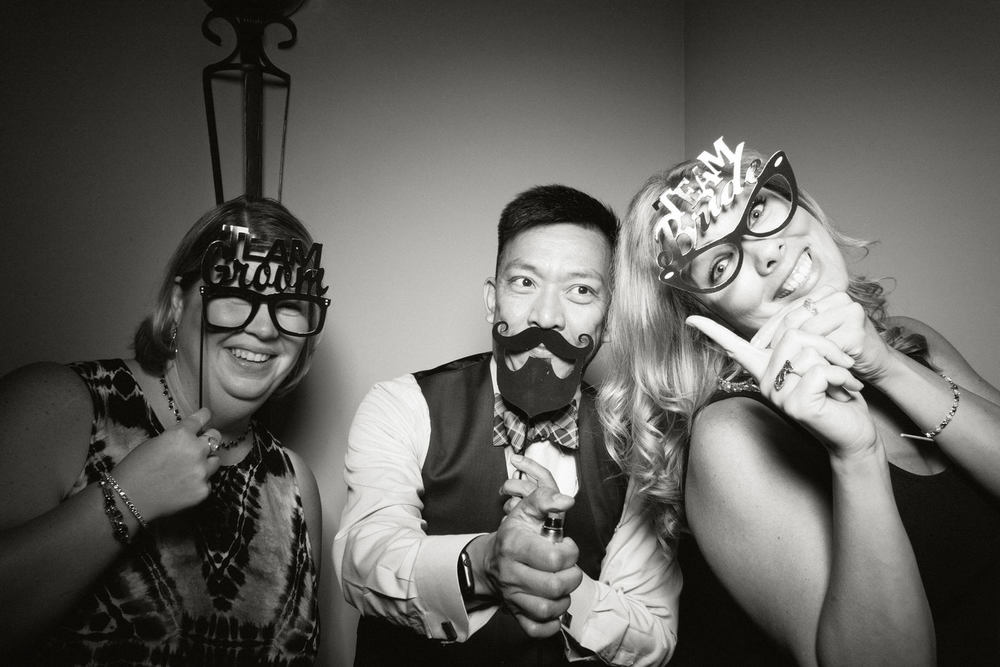 Shawn-Steff-Wedding-Photo-Booth-200.jpg