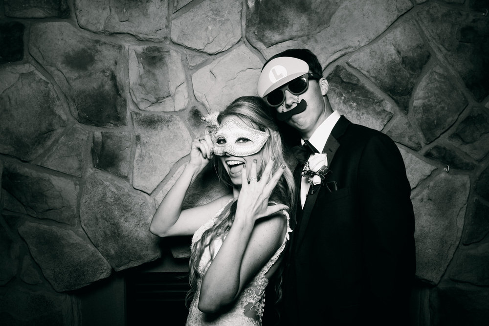 Jeanine-Sean-Wedding-Photo-Booth-10.jpg