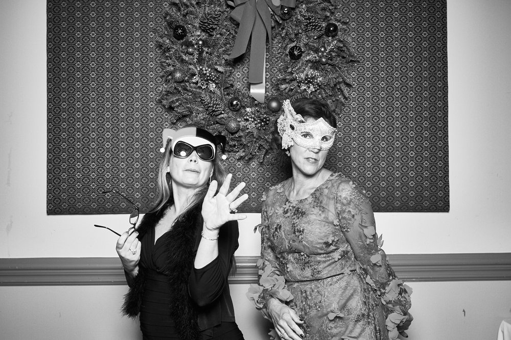 Alexa-James-Wedding-Photo-Booth979.jpg