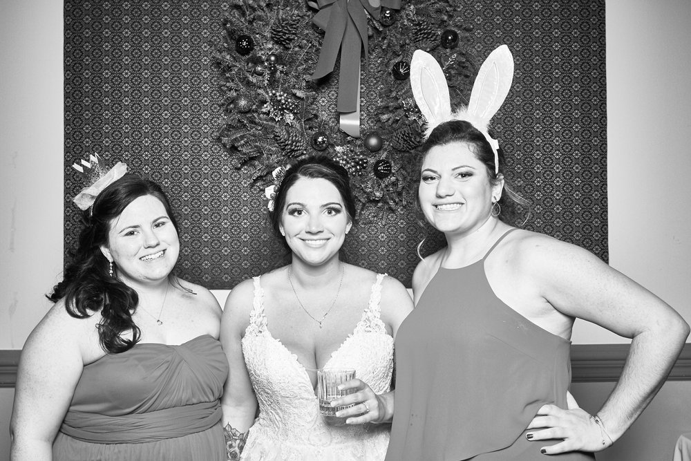 Alexa-James-Wedding-Photo-Booth996.jpg