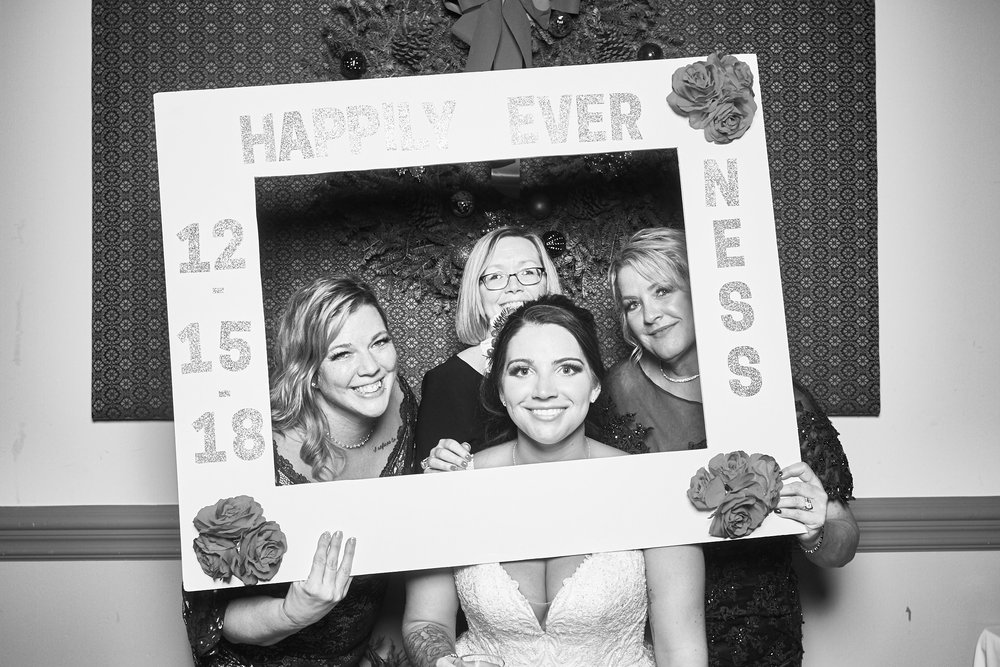 Alexa-James-Wedding-Photo-Booth997.jpg