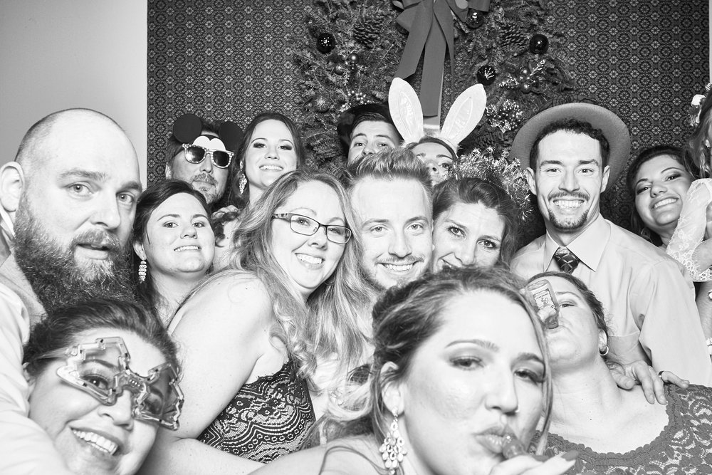 Alexa-James-Wedding-Photo-Booth1004.jpg