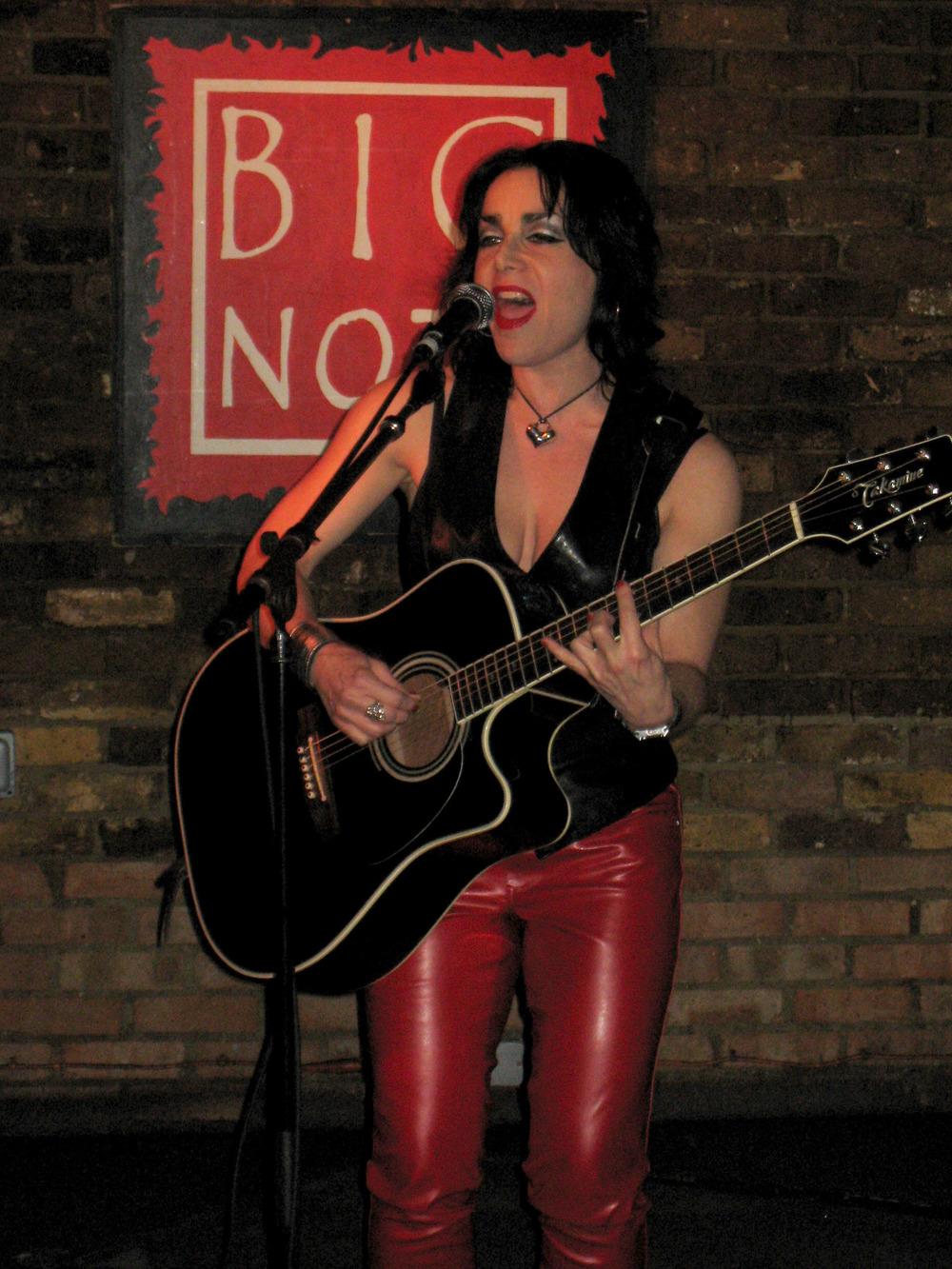 Jana @ Hope & Anchor (London) light.jpg