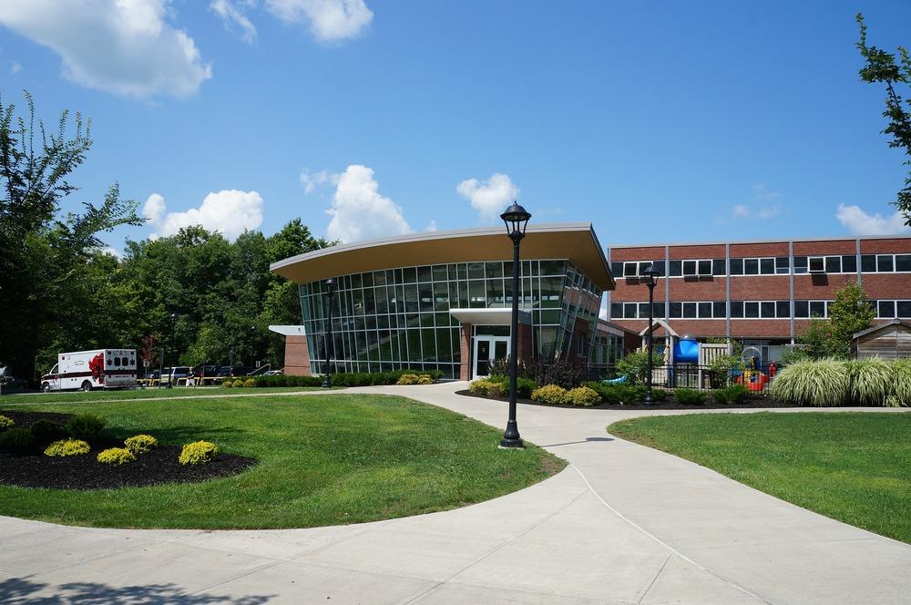 college-75535_1920.jpg