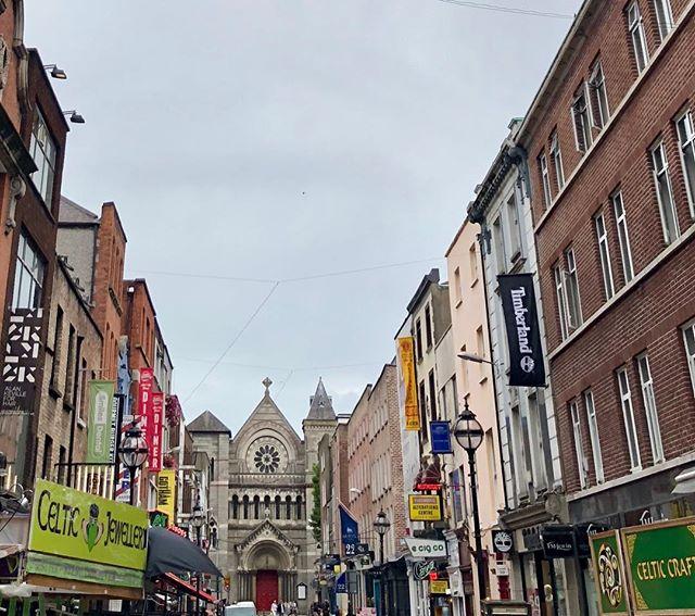 Sunny day in Dublin! #dublin2018 #dublinsummer #guinessfactorynext #celticshops #norainindublin