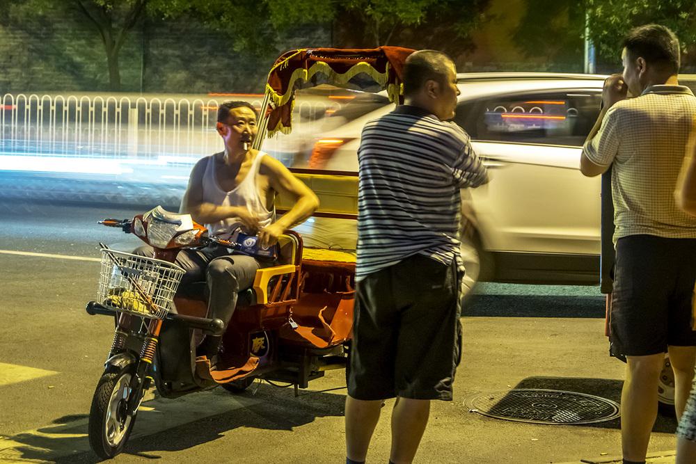 rickshawsmokebreakSITE16.jpg