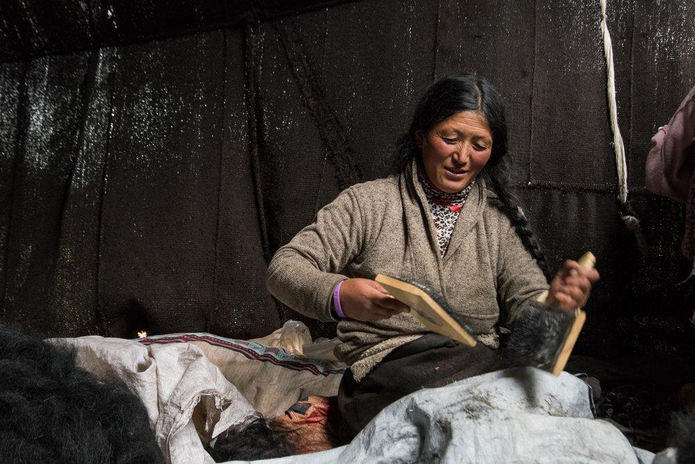 Preparing yak hair to weave