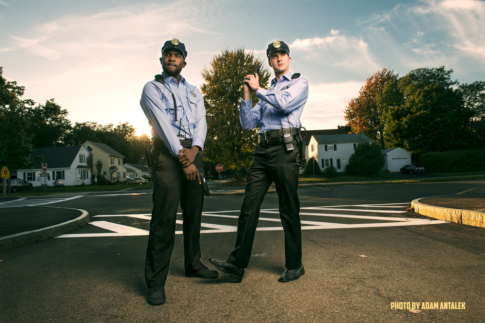 CHE HOLLOWAY  (AS OFFICER AMIR JOHNSON)  AND TIM O'CONNOR  (AS OFFICER STANTON)