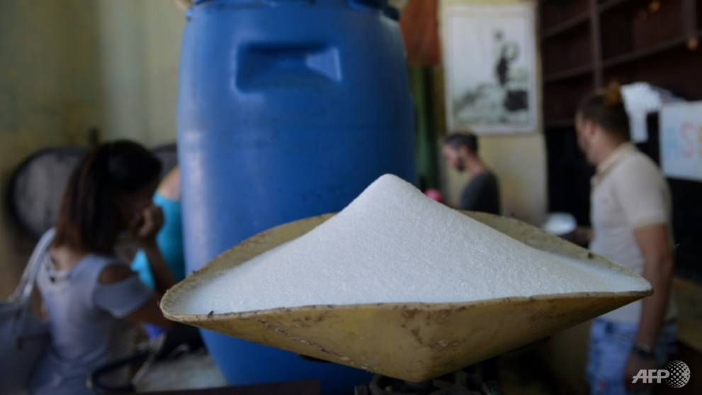 sugar-produced-in-france-is-weighed-at-a-grocery-store-in-havana----cuba-long-the-world-leader-in-sugar-production-is-importing-the-sweetener-in-huge-quantities-1540352832496-10.jpg
