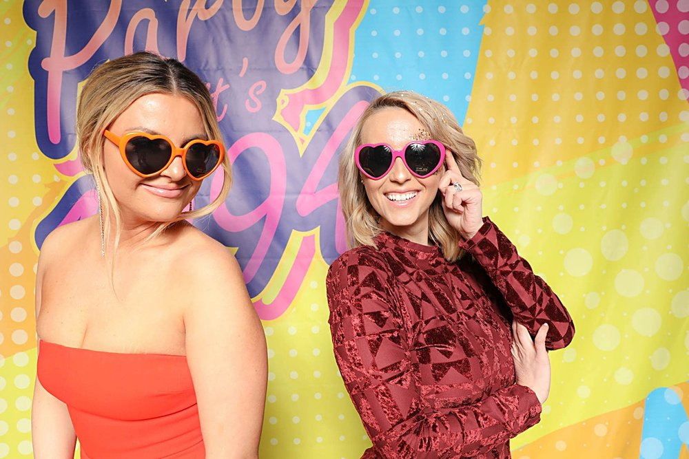 90's themes photo booth