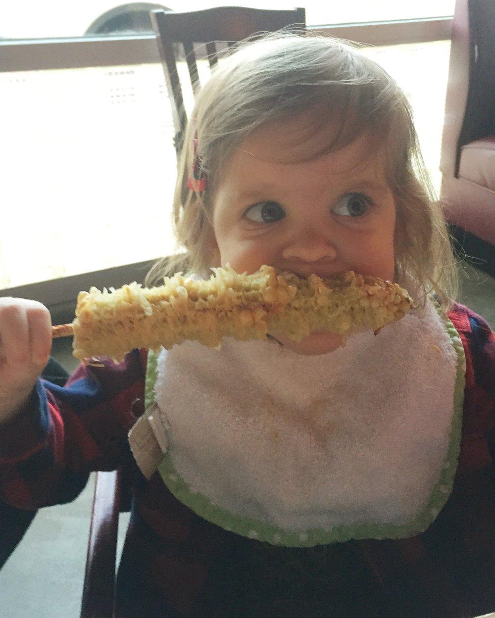 baby-eating-corn-sabor-noda-charlotte-nc