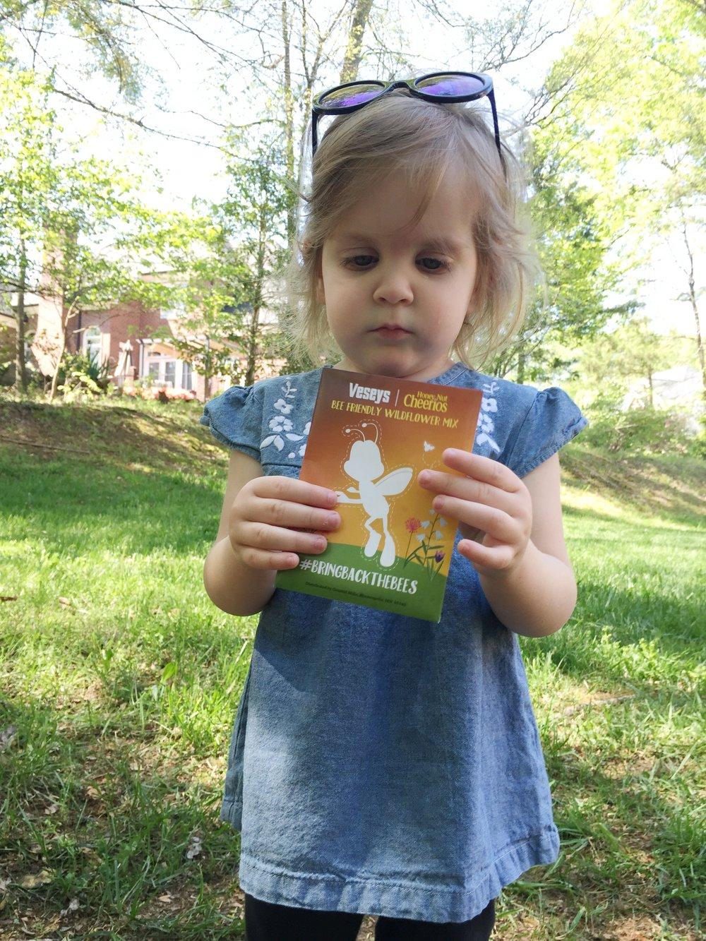 bringbackthebees-cheerios-toddler-activity