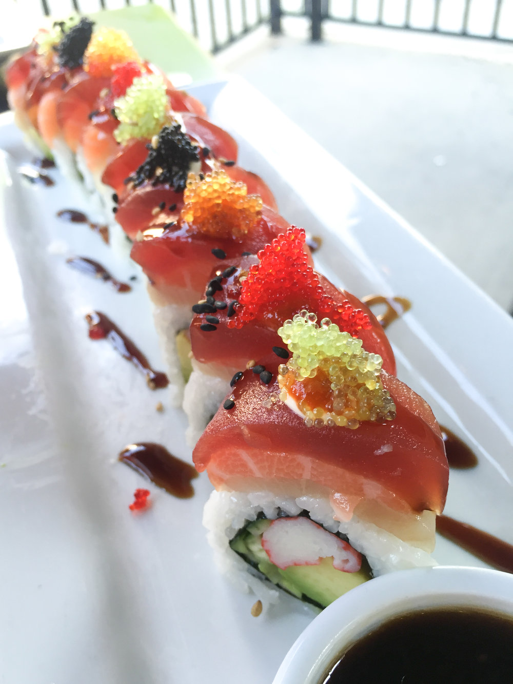 eez-fusion-sushi-huntersville-nc-tropical-strom-roll